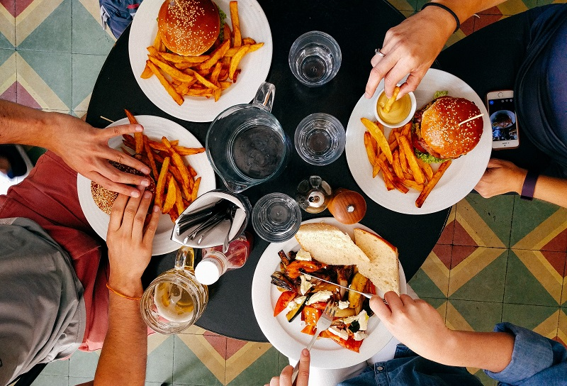 Ordering Team Lunch At Your Office? Here's What You Can Do ...